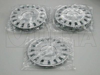 Kołpaki pakowane pojedynczo lub po dwa w połączonych torebkach z folii termokurczliwej.