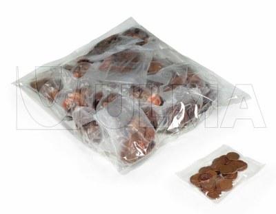 Monety pakowane w folię LDPE na pionowej maszynie pakującej.